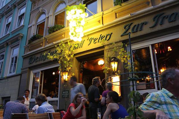 Uhlenhorster Weinstube: Essen und Trinken seit 1986