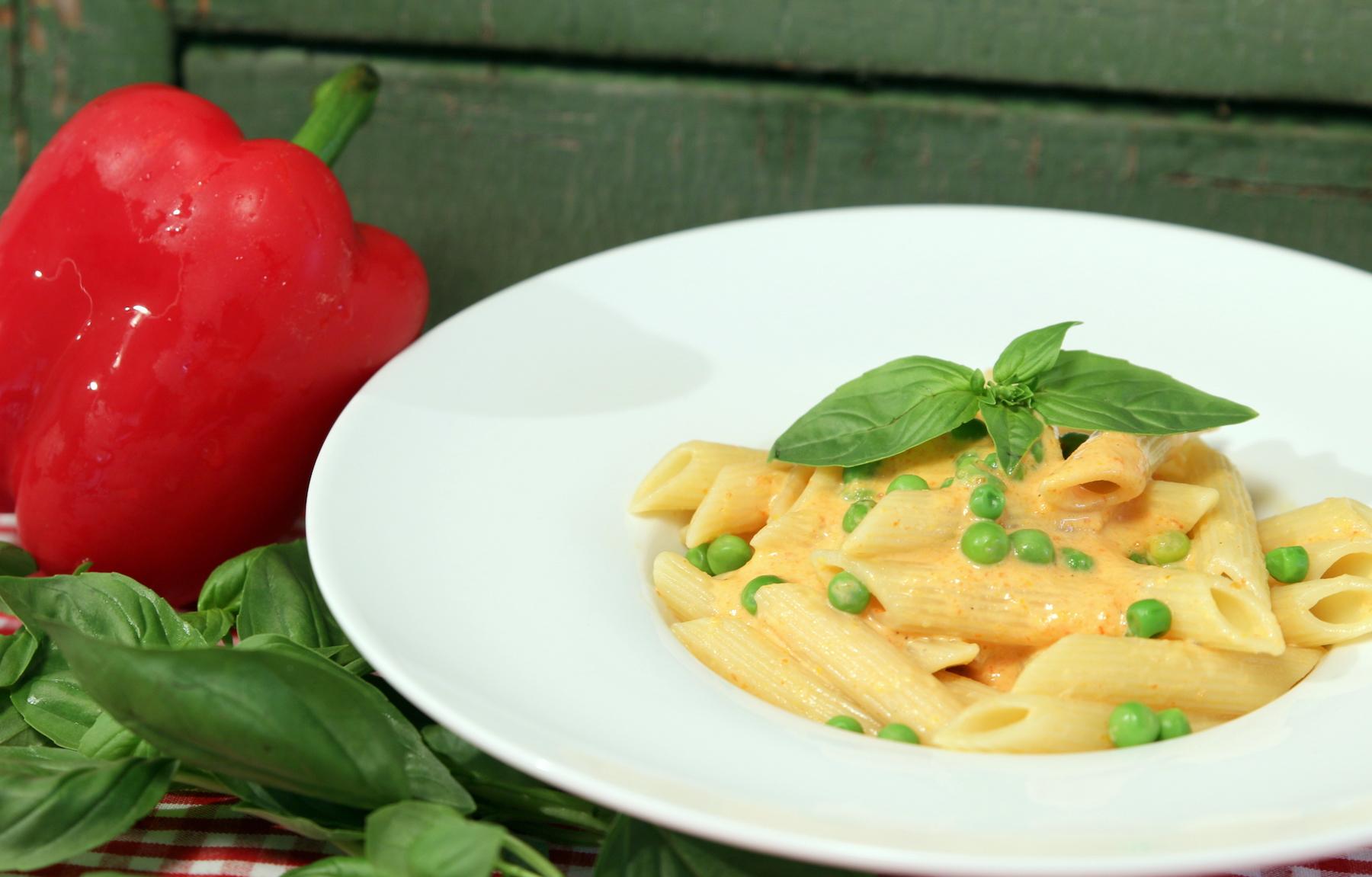 schnelle pasta mit peperoni creme rezepte in bern ron orp. Black Bedroom Furniture Sets. Home Design Ideas
