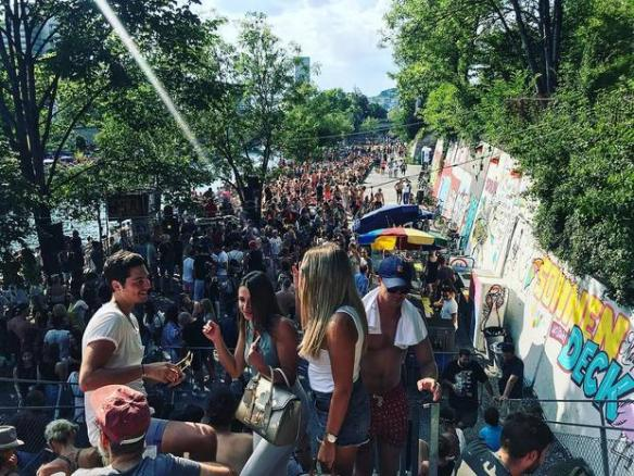 Festival: They're Letten Us Party