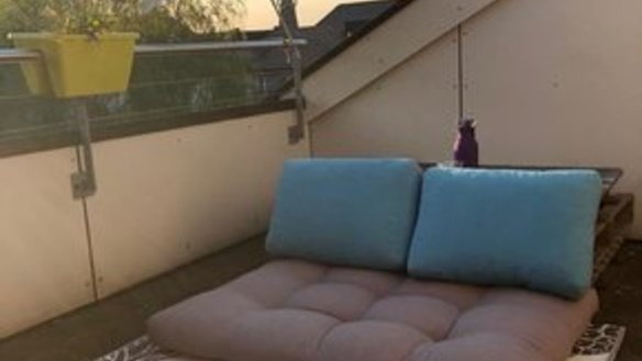 Furnished room with private bathroom in a very spacious 3.5 room maisonette apartment